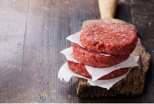 Beefburger, grote hamburger van 180 gram, biologisch gekruid