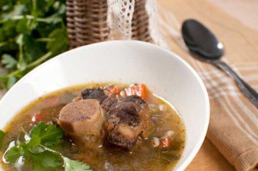 Pakket met rundvlees en kippenvlees voor het maken van wereldse bouillons!