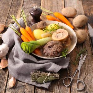Runderbotten voor het bereiden van een heerlijke, gezonde bouillon
