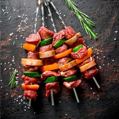 barbecuepakket Smokey met spies van kip en rund