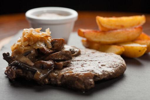 Sucade van grasgevoerde Black Angus, biologisch stoofvlees