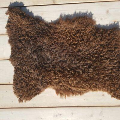 85x55 lichtbruine schapenvacht van ruwe wol