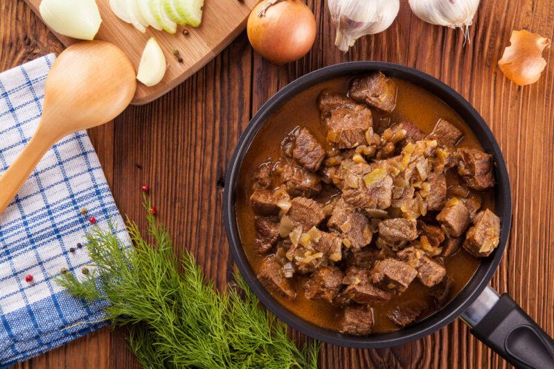 Rundvlees hachee van de ambachtelijke slager
