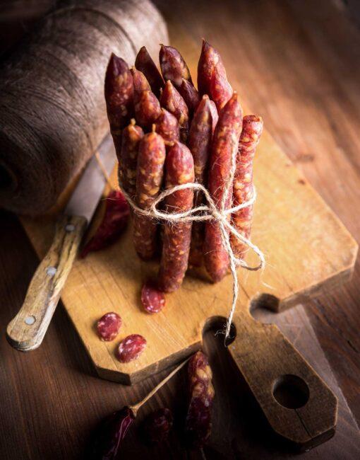 Borrel salami wilde worstjes van grasgevoerd rund