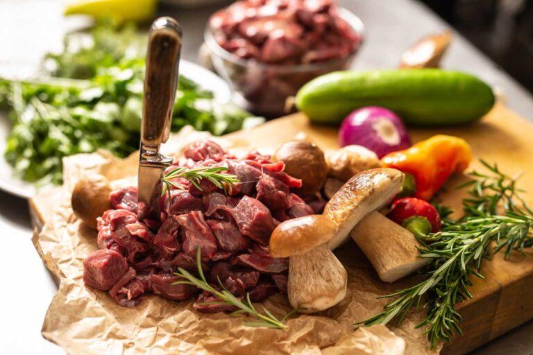 ingredienten-wild-zwijn-stoofvlees-poulet