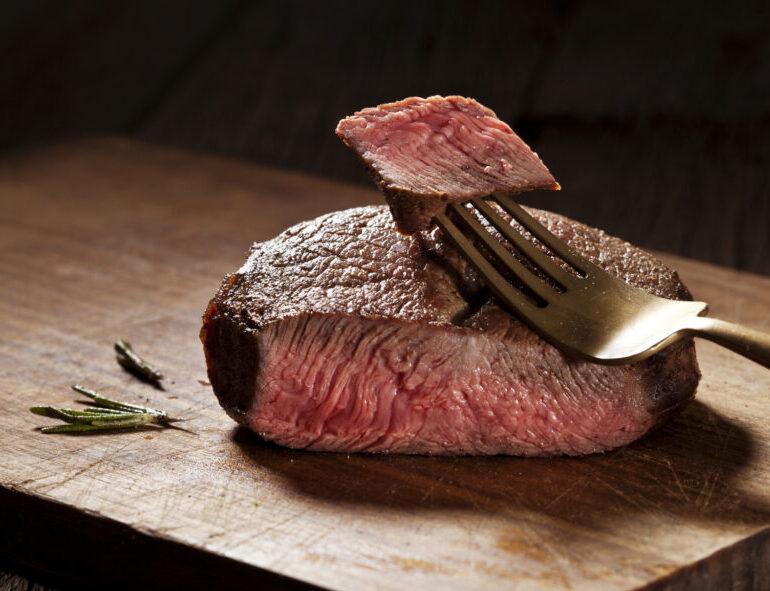 Hoge kwaliteit kogelbiefstuk van de Angus, Schotse Hooglander of Limousin rund
